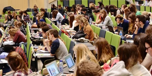 Pourquoi 32.000 étudiants sont-ils sans nouvelle de leur bourse? (ECLAIRAGE) - La Libre