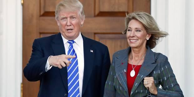 Betsy DeVos, ministre de l'Education de Donald Trump, sauvée d'un cheveu - La Libre