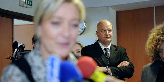 Deux proches de Marine Le Pen en garde à vue - La Libre