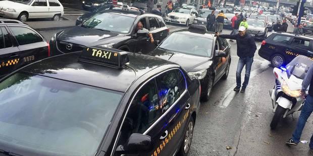 Bruxelles: la manifestation des taxis suspendue en raison des avancées obtenues - La Libre