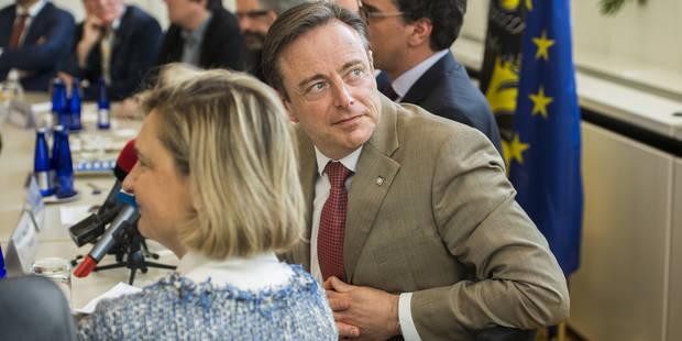 """De Wever est prêt à des compromis sur la fiscalité, Peeters salue un """"signal positif"""" - La Libre"""