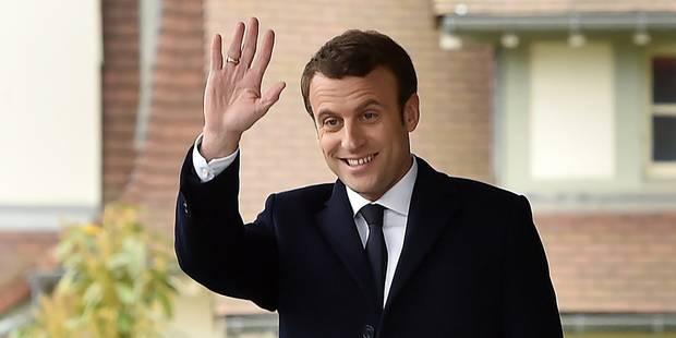 Selon deux sondages réalisés ce dimanche, Macron battrait largement Le Pen au second tour - La Libre