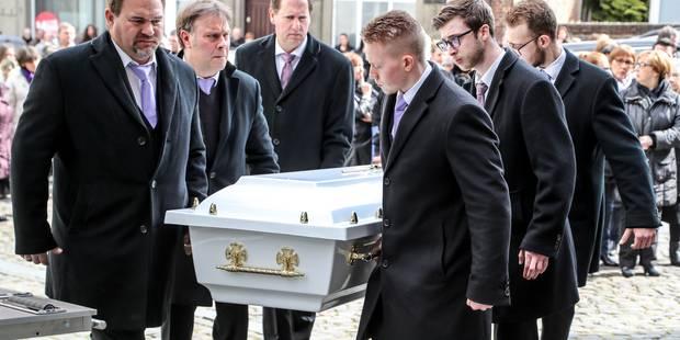 Émotion lors des funérailles de Laeticia Bauwens à Binche - La Libre