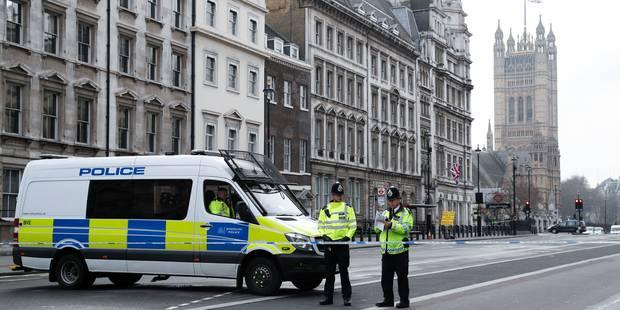 La police britannique affirme avoir démantelé une cellule terroriste active - La Libre