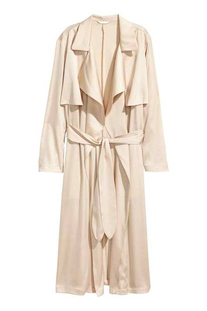 Imper du soir. Trench-coat en satin,  H&M, 59,99 €