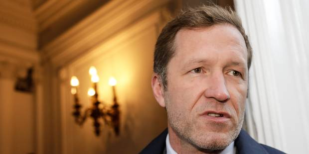 """Discours du 1er mai: """"Nous tenons nos engagements"""", clame Paul Magnette - La Libre"""