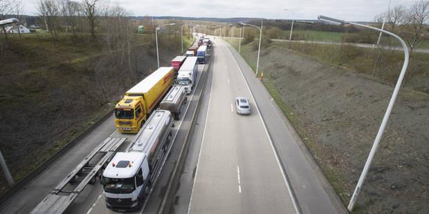 """Transports routiers: Un dossier """"explosif"""" pour l'Europe - La Libre"""