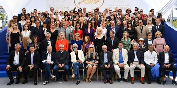 """Les coulisses de la photo aux 113 stars à Cannes : """"Même Deneuve n'en revenait pas"""" - La Libre"""