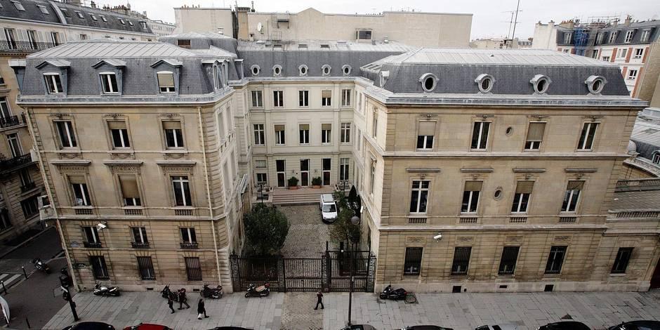 Législatives en France: PS et LR inquiets pour leur situation financière - La Libre