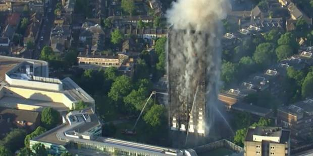 Incendie dans une tour d'habitation à Londres : le bilan s'alourdit à 30 morts - La Libre