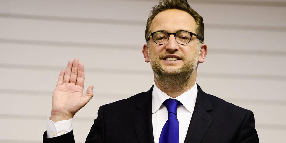 Boris Dilliès, plus jeune bourgmestre de Bruxelles, ne lâchera pas son poste de député avant septembre... et c'est normal
