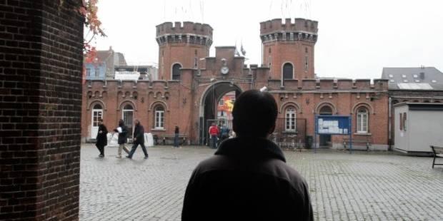 Accueil des demandeurs d'asile: le Petit Château va fermer ses portes afin d'être revendu! - La Libre