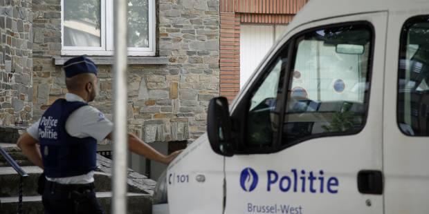Opération de police dans un squat de Schaerbeek, appuyée par un hélicoptère - La Libre