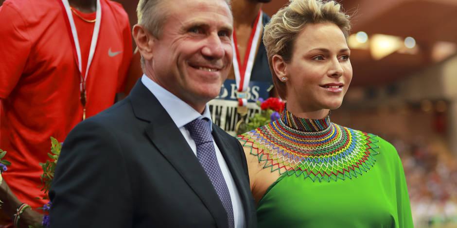La princesse Charlene, sculpturale dans une robe aux couleurs de l'Afrique du Sud