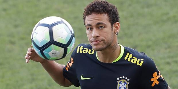 """Transfert de Neymar: le FC Barcelone officialise le départ, présentation à Paris attendue en """"fin de semaine"""" - La Libre"""