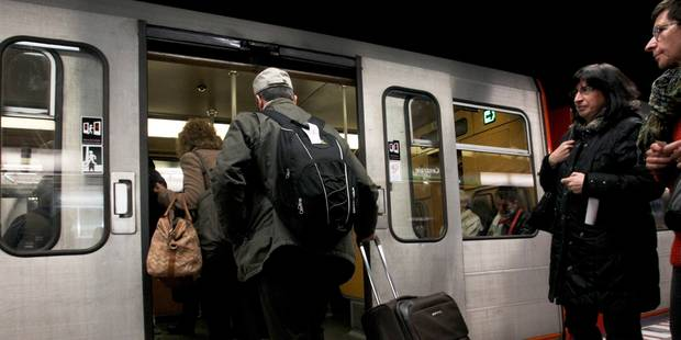 STIB: sept nouvelles stations de métro équipées du Wi-Fi - La Libre