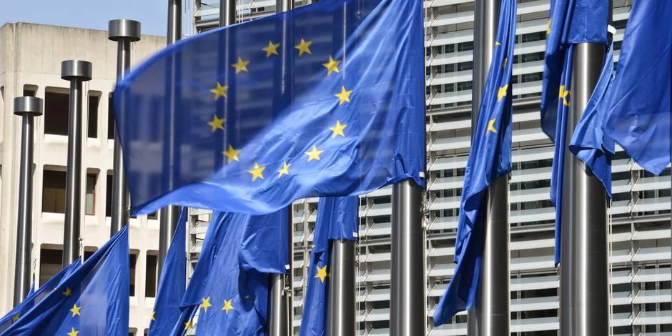 La Commission européenne paie cher son goût du silence