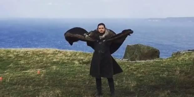 Game of Thrones : Daenerys se moque de Jon Snow tentant d'imiter... un dragon - La Libre
