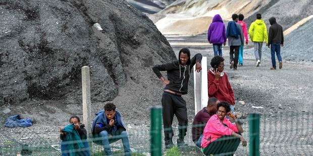 France: rixes nocturnes à Calais entre migrants, 16 blessés légers - La Libre