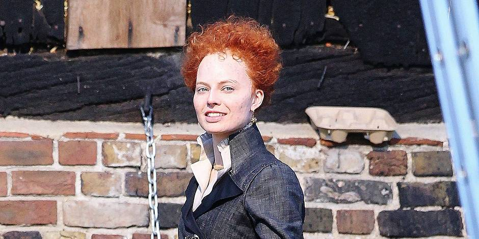EXCLUSIVE: Margot Robbie looks completely unrecognisable as she transforms into Queen Elizabeth I for new film Mary Queen of Scots