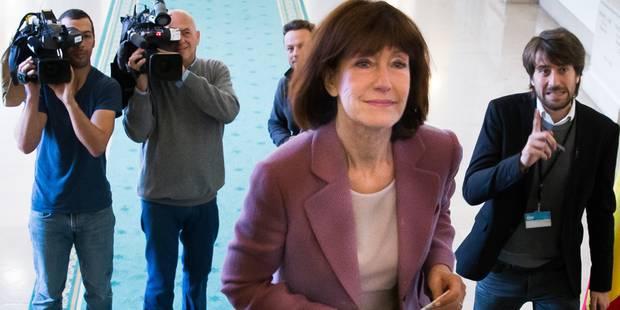 Le monde politique commente, parfois avec cynisme, le départ de Laurette Onkelinx - La Libre