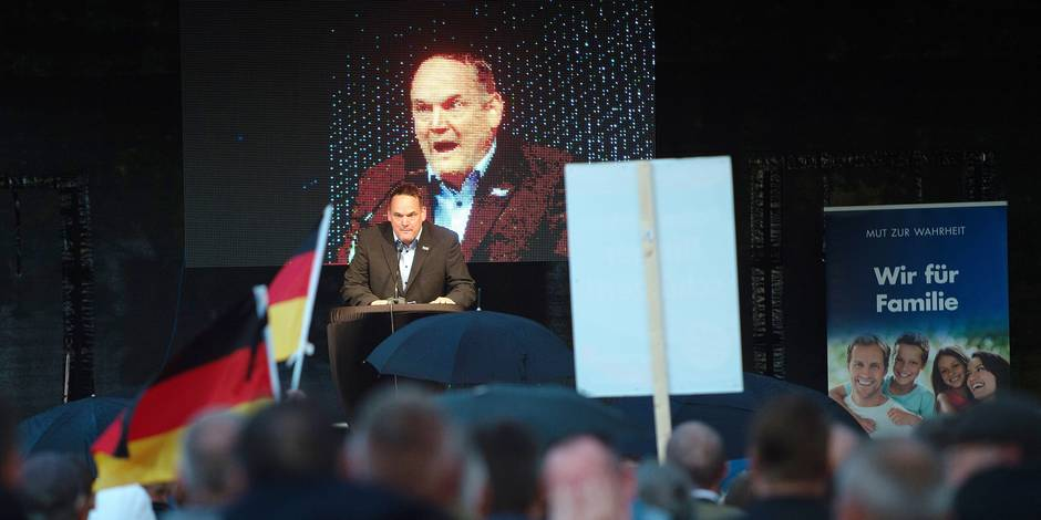 The leading candidate of the AfD party in Saxony-Anhalt for the general elections, Martin Reichardt, speaks at a campaign event of the Alternative for Germany party in Magdeburg, Germany, 12 September 2017. Photo: Klaus-Dietmar Gabbert/dpa-Zentralbild/dpa Reporters / DPA