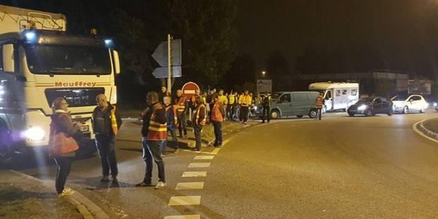 Réforme du code du travail en France: Opérations-escargot et premiers blocages de routiers - La Libre