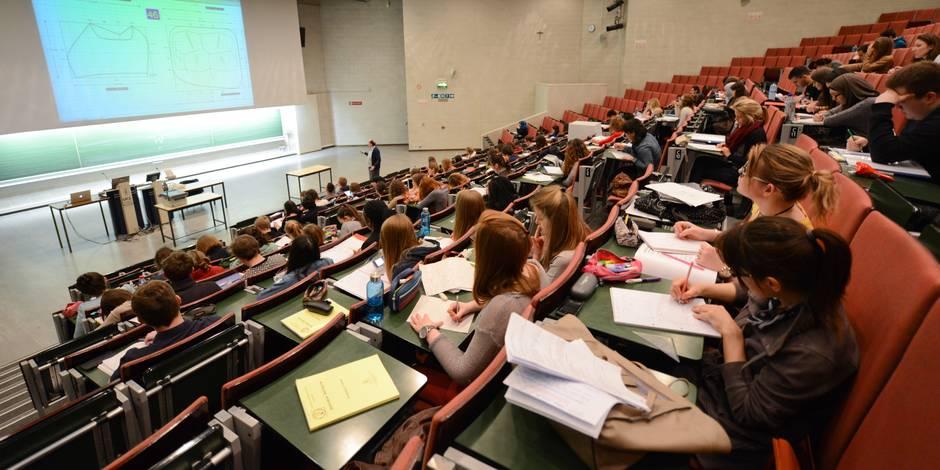 Les examens de seconde session au mois d'août supprimés à l'avenir?