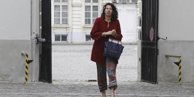 """Bianca De Baets dépose plainte contre la campagne de pub """"agressive et ignoble"""" pour du sugardating - La Libre"""