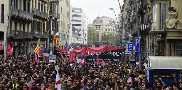 Manifestation monstre et grève générale en Catalogne contre les violences policières (PHOTOS et VIDEO) - La Libre