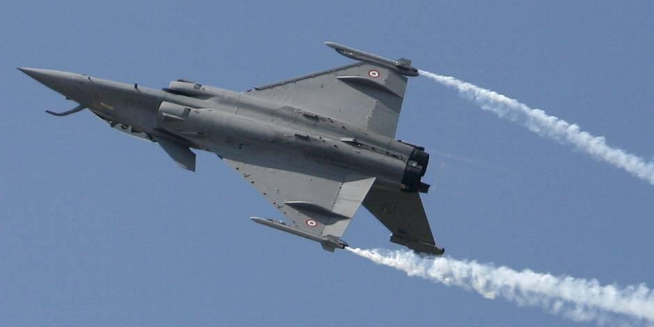 Le gouvernement reporte le dossier F-16