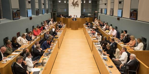 Votes au parlement wallon : durcissement pour les ministres-bourgmestres, rentrée parlementaire avancée - La Libre
