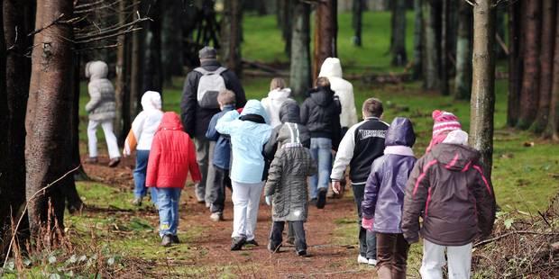 Manger, payer le gaz, envoyer le petit en excursion? 5,8% des Belges doivent choisir - La Libre