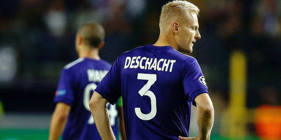 Anderlecht's Olivier Deschacht looks dejected during the second game in the group stage (Group B) of the UEFA Champions League competition between Belgian soccer team RSC Anderlecht and Scottish Celtic FC, Wednesday 27 September 2017 in Brussels. BELGA PHOTO BRUNO FAHY