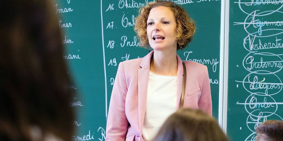 Federation Wallonia - Brussels Minister of Education and School Buildings Marie-Martine Schyns pictured during a visit to a school in Herstal, on the occasion of the first day of the new school year, Friday 01 September 2017. BELGA PHOTO BENOIT DOPPAGNE