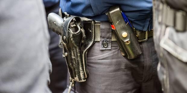 Une bagarre éclate entre une centaine de personnes à Anvers: 7 blessés et 41 arrestations administratives - La Libre
