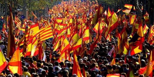 Catalogne: un million de manifestants à Barcelone pour l'unité de l'Espagne, selon les autorités (PHOTOS) - La Libre