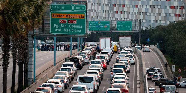 Crise en Catalogne : grève, routes et trains bloqués à l'appel d'indépendantistes catalans - La Libre