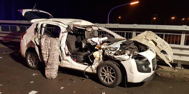 Courcelles: le passager d'une voiture perd un bras dans une collision sur l'E42 - La Libre