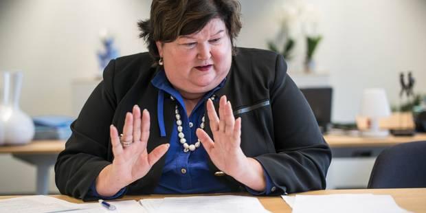 Maggie De Block veut voir davantage de femmes enceintes au boulot - La Libre