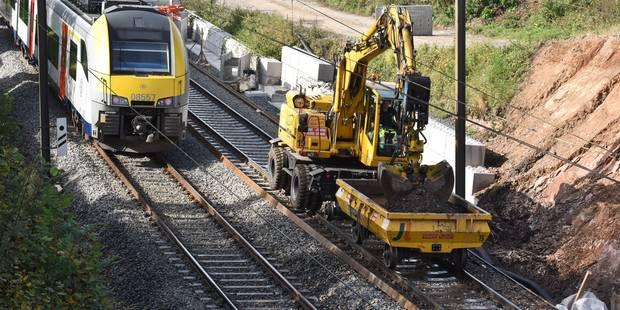 Tragique accident lors de réparations sur les rails à Chapelle-lez-Herlaimont: deux ouvriers tués et une personne portée...
