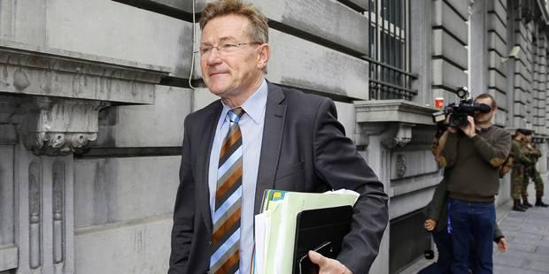 Le rendement attendu de la taxe sur les comptes-titres est maintenu, assure Van Overtveldt - La Libre