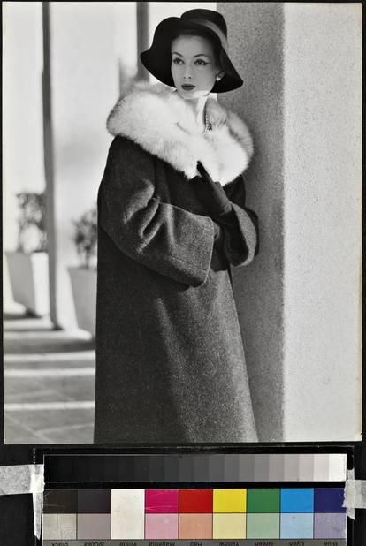 En 1957, des manteaux déjà élégantissimes.