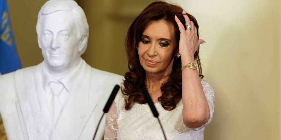 """Argentine : """"accusation tirée par les cheveux"""" contre l'ex-Présidente Cristina Fernandez"""