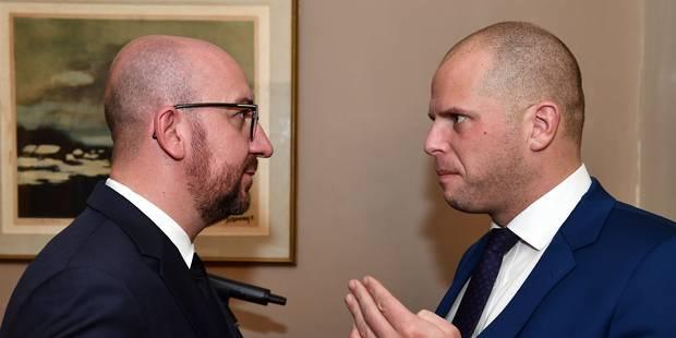 Francken a présenté ses excuses à Charles Michel sur les expulsions de Soudanais - La Libre