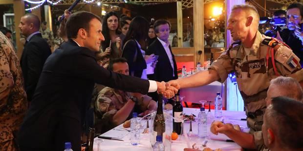 """""""Nous sommes fiers de vous"""": Macron réveillonne avec les troupes au Niger - La Libre"""