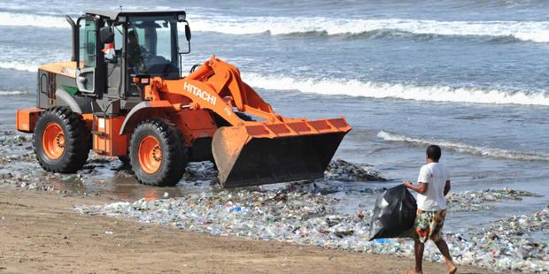 A Bali, des plages de déchets (PHOTOS) - La Libre