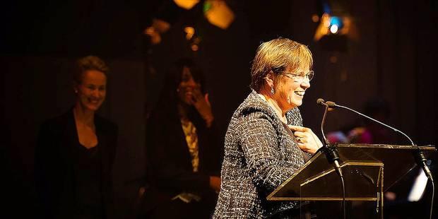 Alda Greoli retire aux Prix de la critique le soutien de la Fédération Wallonie Bruxelles - La Libre
