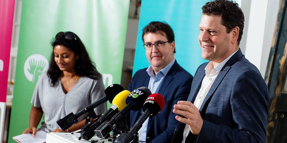 Police commissary Jinnih Beels, Groen's Wouter Van Besien and SP.A's Tom Meeuws pictured during a press conference of the local branches of Flemish socialists sp.a and Flemish green party Groen on a progressive alliance for the 2018 municipal elections, Friday 13 October 2017 in Berchem, Antwerp. The joint list will be called 'Samen' (together), it will also contain various independent candidates. BELGA PHOTO JASPER JACOBS