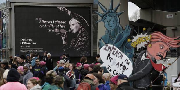 Des milliers de fans rendent hommage à la chanteuse des Cranberries - La Libre